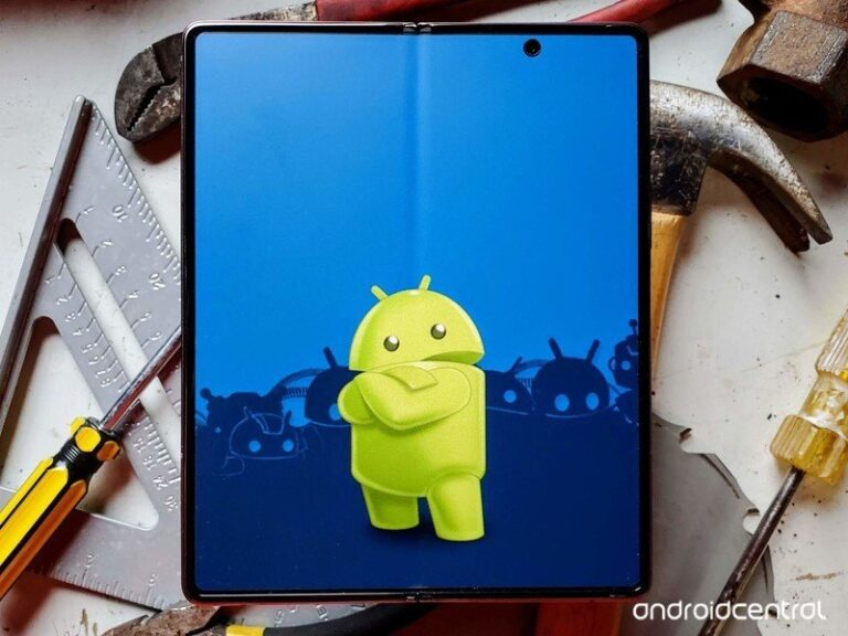 Samsung Galaxy Z Fold 2 Android Lifestyle